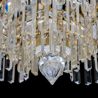 A LATE VICTORIAN EIGHT LIGHT TENT AND WATERFALL CHANDELIER