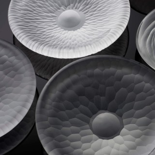 Contemporary furnace glass 'Ripple Hexa Plate' by Vezzini and Chen