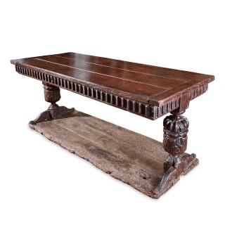 Elizabeth I oak trestle table