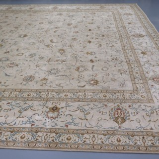 Elegant Kashan carpet, signed