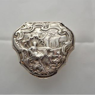 George II cartouche shaped snuff box C1730 Francis Harache