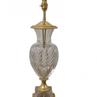 SINGLE EARLY 20TH CENTURY FRENCH CUT CRYSTAL AND GILT BRONZE TABLE LAMP