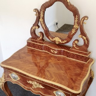 19TH CENTURY FRENCH KINGWOOD AND GILT BRONZE DRESSING TABLE WITH SEVRES PLAQUES
