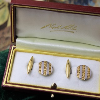 A beautiful pair of 18ct Yellow Gold & Platinum Cufflinks, French, Circa 1930