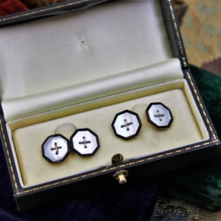 A very fine pair of  Mother of Pearl & Black Enamel Cufflinks set in 9ct Yellow Gold, Circa 1930