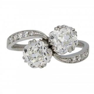 Edwardian diamond crossover ring, circa 1915.