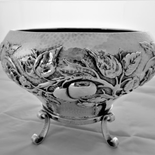 Wonderful sterling silver Arts and Crafts bowl London 1901 Elkington