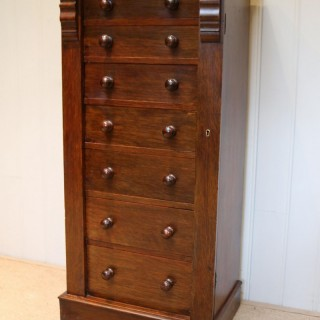 Oak Wellington Chest