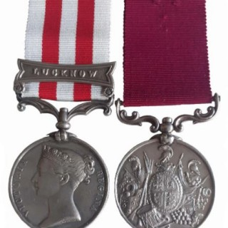 A RIFLE BRIGADE INDIAN MUTINY LONG SERVICE PAIR TO PRIVATE WILLIAM PUTTICK