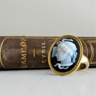 Hardstone Medusa cameo ring  mid-19th century later gold mount