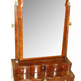 Early 18th Century Walnut Queen Anne Dressing Table Mirror