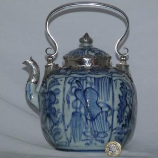 Ming Blue and White Kraak Wine Pot