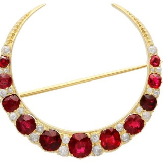 3.83 ct Ruby and 0.48 ct Diamond, 12 ct Yellow Gold Crescent Brooch - Antique Circa 1890