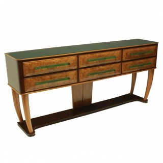 A LARGE MID CENTURY WALNUT CREDENZA WITH GLASS DETAILING