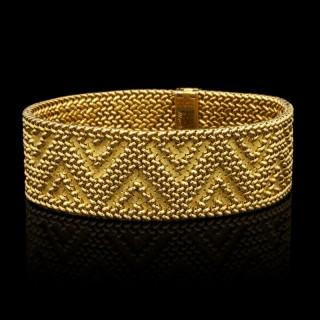 Vintage 18ct Gold Strap Bracelet with Textured ZigZag Pattern by Marchak c.1970s