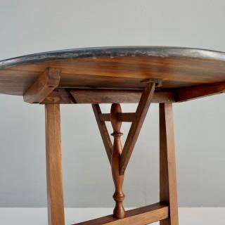 Vigneron Table