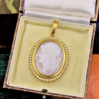 A very fine High Carat Yellow Gold Oval Shell Cameo and Pearl Pendant, Inscribed 1808