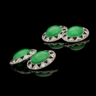 Art Deco Jade Cabochon, Old-cut Diamond, Triangular onyx Platinum Cufflinks c.1930
