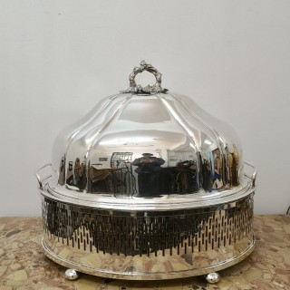 EARLY 20TH CENTURY SILVER PLATE HEATED MEAT CARVING TRAY AND COVER BY DRAKES LONDON