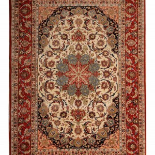 Antique Persian Isfahan Rug 157x239cm