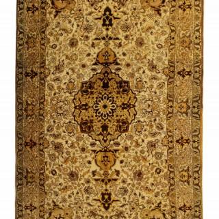 Antique Persian Isfahan Rug 160x276cm