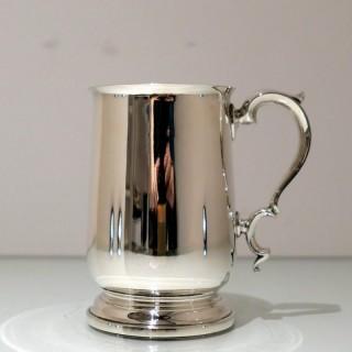 Early 20th Century Modern George V Sterling Silver Pint Mug Birmingham 1934 Elkington & Co