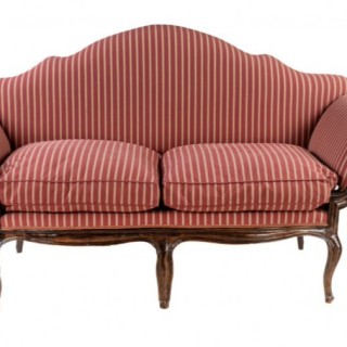 AN 18TH CENTURY WALNUT SOFA