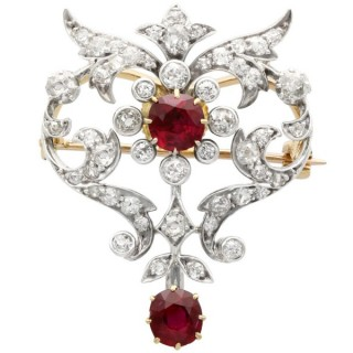 2.05 ct Ruby and 1.70 ct Diamond and 12 ct Yellow Gold Brooch - Antique Circa 1910