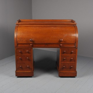 Victorian Oak Cylinder Top Desk or Bureau