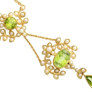 3.43 ct Peridot and Seed Pearl, 15 ct Yellow Gold Necklace - Antique Circa 1920