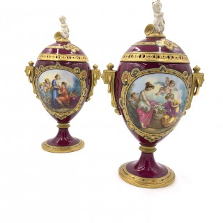 PAIR OF ANTIQUE VIENNA PORCELAIN VASES