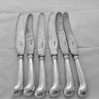 Good set 6 armorial George II silver pistol handled knives C1730