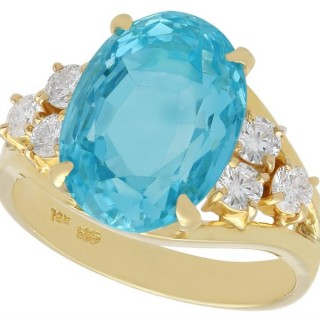 6.15 ct Aquamarine and 0.42 ct Diamond, 14 ct Yellow Gold Dress Ring - Vintage Circa 1990