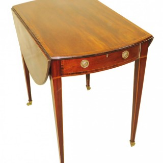 Georgian 18th Century Mahogany Oval Pembroke Table