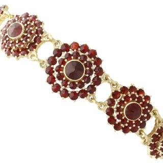 13.8ct Garnet 14ct Yellow Gold Bracelet - Vintage Circa 1980