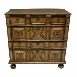 A WILLIAM & MARY CHEST OF DRAWERS