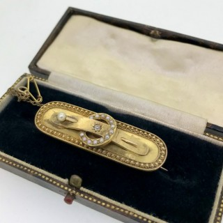 Victorian 15ct Gold Buckle Brooch