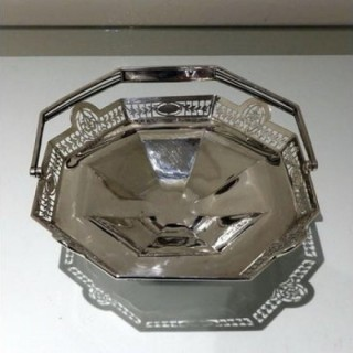 Early 20th Century Antique George V Sterling Silver Cake Basket Sheffield 1923 Roberts & Belk