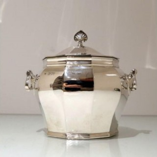 Early 20th Century Antique Victorian Sterling Silver Biscuit Box London 1900 William Hutton & Sons Ltd