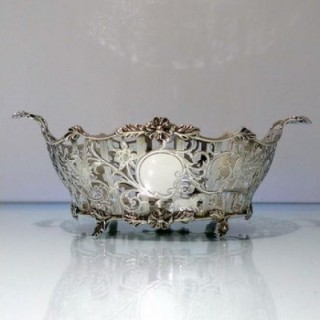 Early 20th Century Antique Edwardian Sterling Silver Pierced Dish London 1908 Carrington & Co