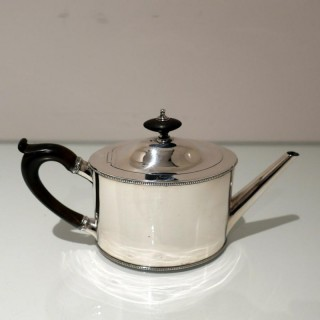 18th Century Antique George III Sterling Silver Teapot London 1786 Robert Hennell