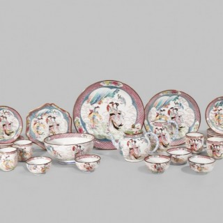 A rare Chinese famille rose canton enamel tea service 18th Century ( 29 pc)