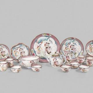 A rare Chinese famille rose canton enamel tea service 18th Century ( 29 pc)
