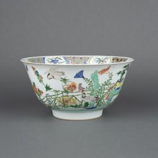 A large Chinese  Kangxi period ( 1662-1722) famille verte bowl