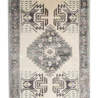 Small Antique Persian Wool Rug, Handmade Oriental Carpet- 54x166cm