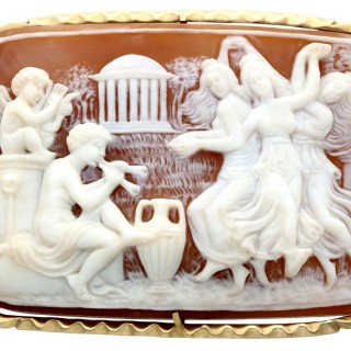 Carved Shell and 14ct Yellow Gold Cameo Brooch - Antique Victorian Circa 1900