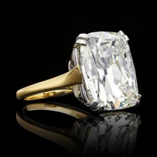Rare 21.24ct K VS2 Cushion Cut Diamond Solitaire ring by Hancocks