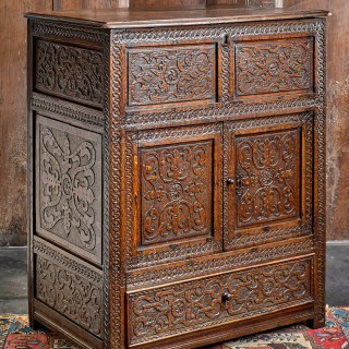James I joined oak cupboard / chest