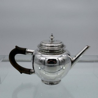 Early 20th Century George VI Britannia Silver Teapot London 1938 Lionel Alfred Crichton