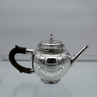 Early 20th Century George VI Britannia Silver Teapot London 1938 Lionel Alfred Crichton